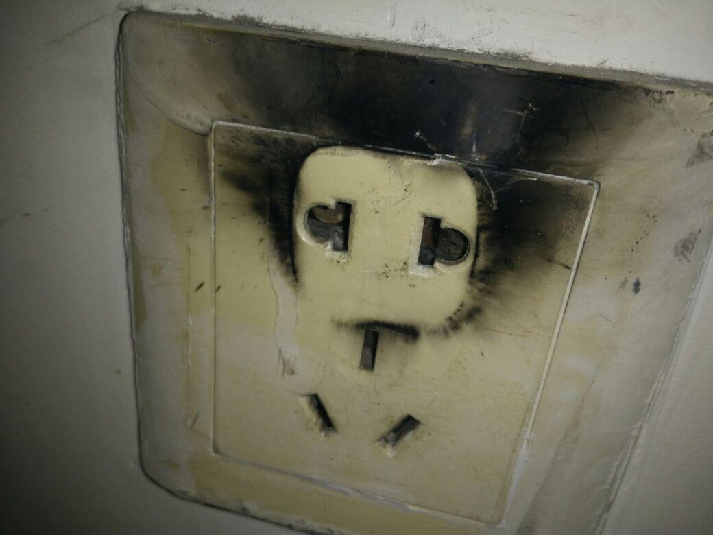 oppo充电器爆炸