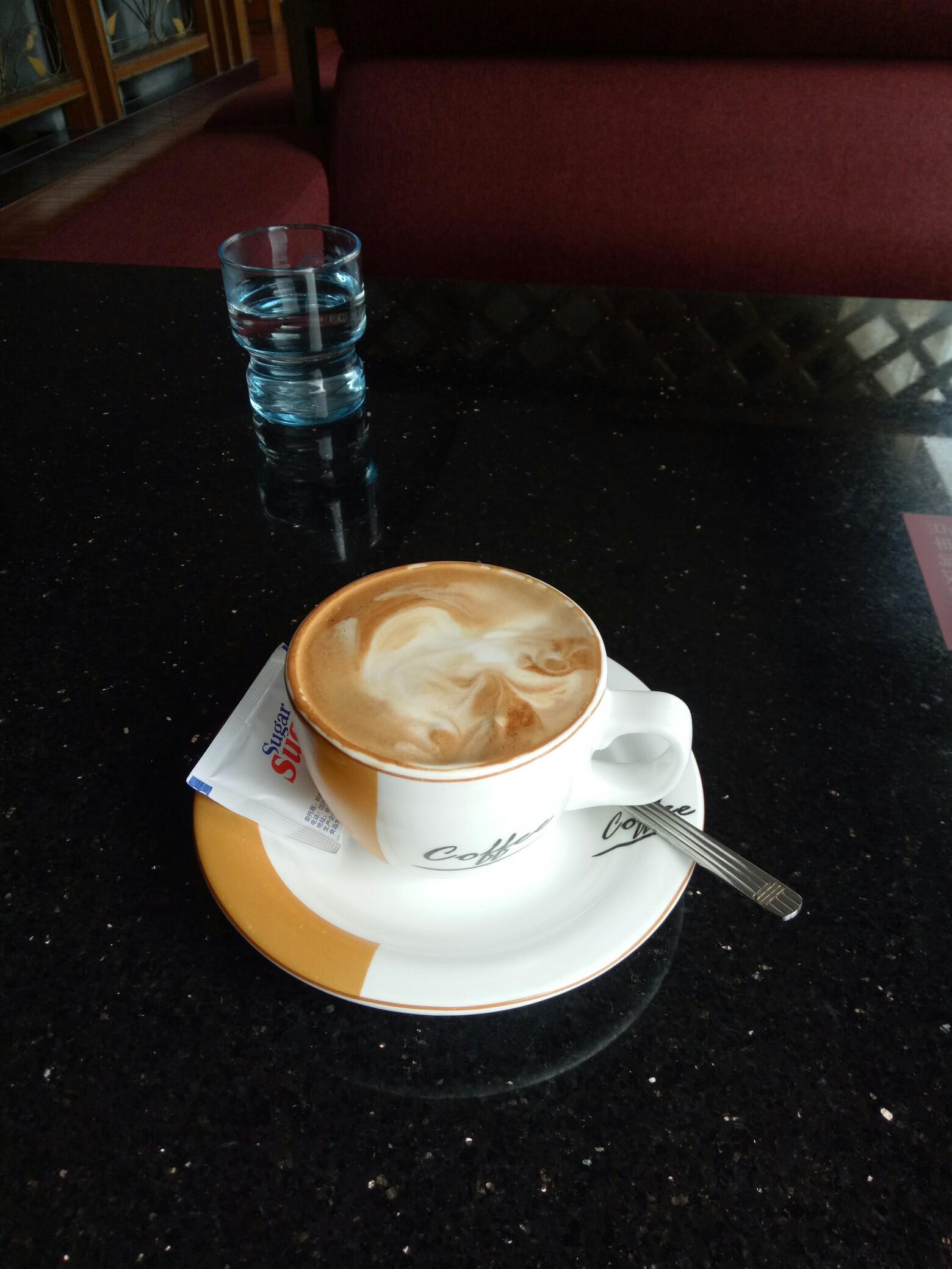 一个人喝咖啡,一个人看电影,一个人吃火锅.#秘密树洞