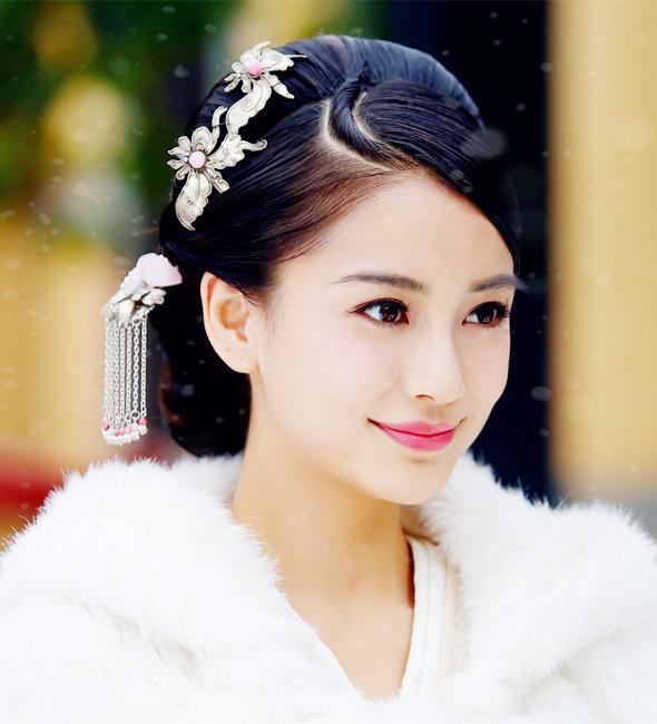 白衣古装美女,林青霞豪放,杨颖高贵,刘亦菲输给她