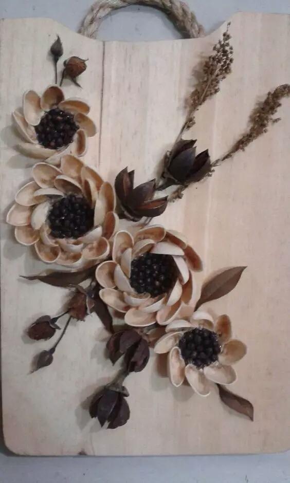 用果壳和树叶做一幅画