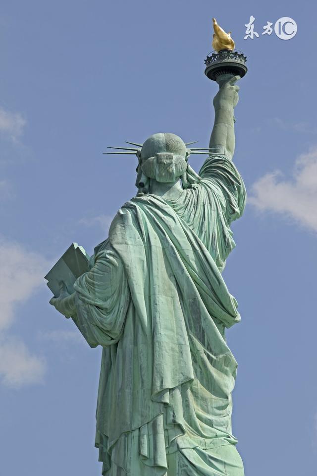 一位从小在中国长大的美国小孩说:美国那么好,但中国才是我的家