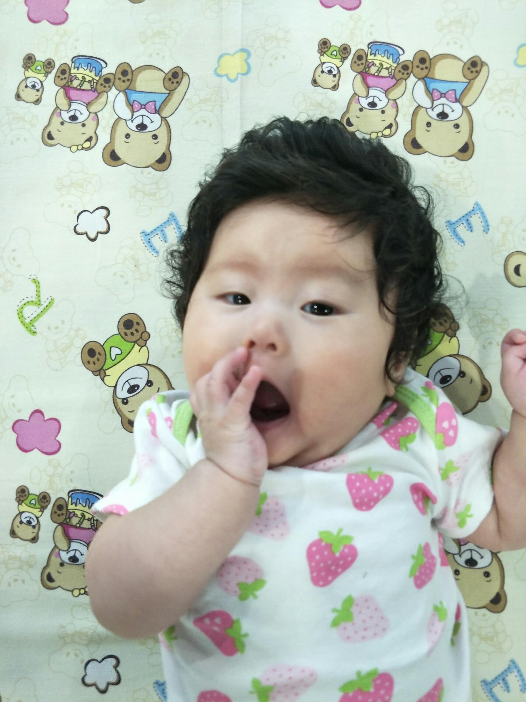 宝宝 壁纸 儿童 孩子 小孩 婴儿 1728_2304 竖版 竖屏 手机