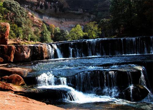 壁纸 风景 旅游 瀑布 山水 桌面 500_358