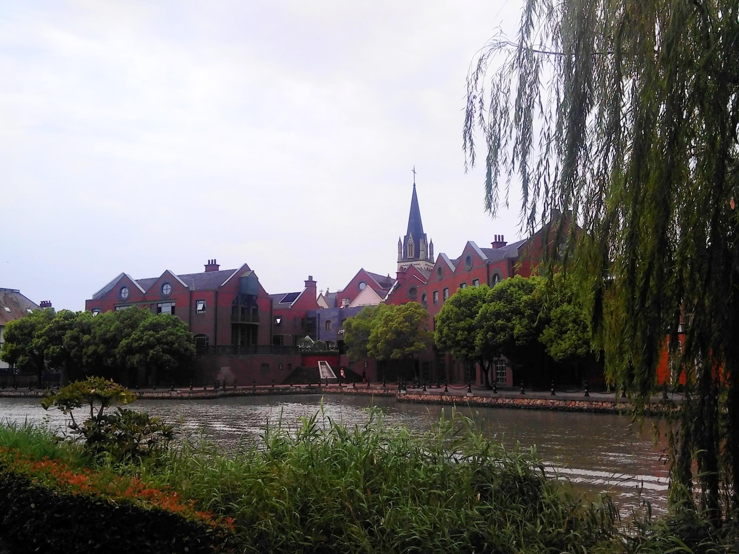 体验休闲欧洲风情(松江泰唔士小镇)