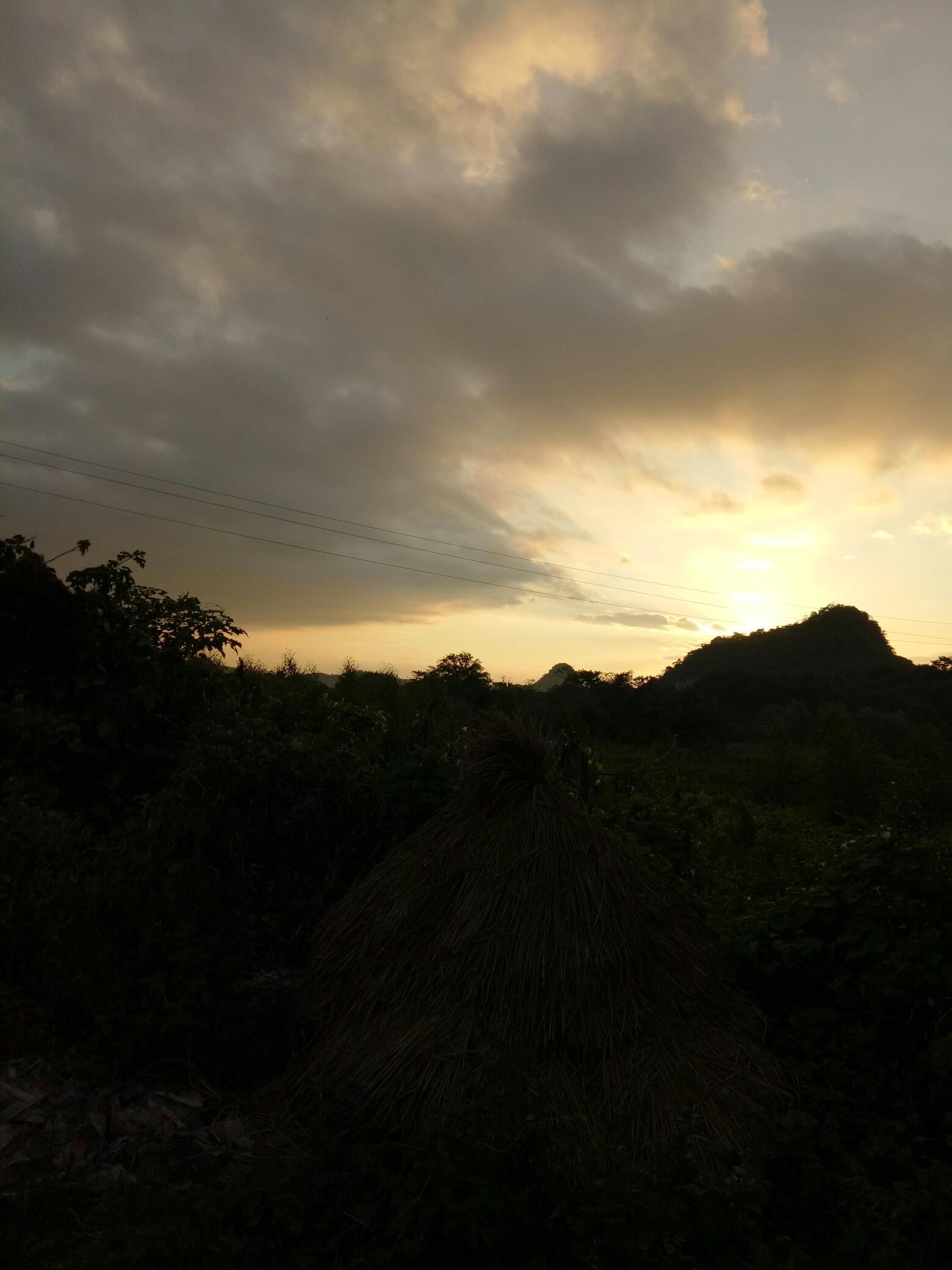 刚刚升起的太阳