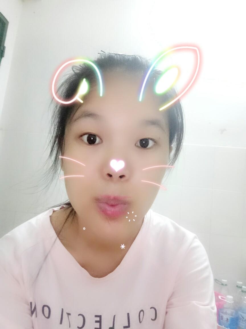 一只可爱兔子,,,,哈哈