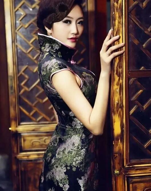 旗袍:让东方女子的美与雅韵风情摇曳.