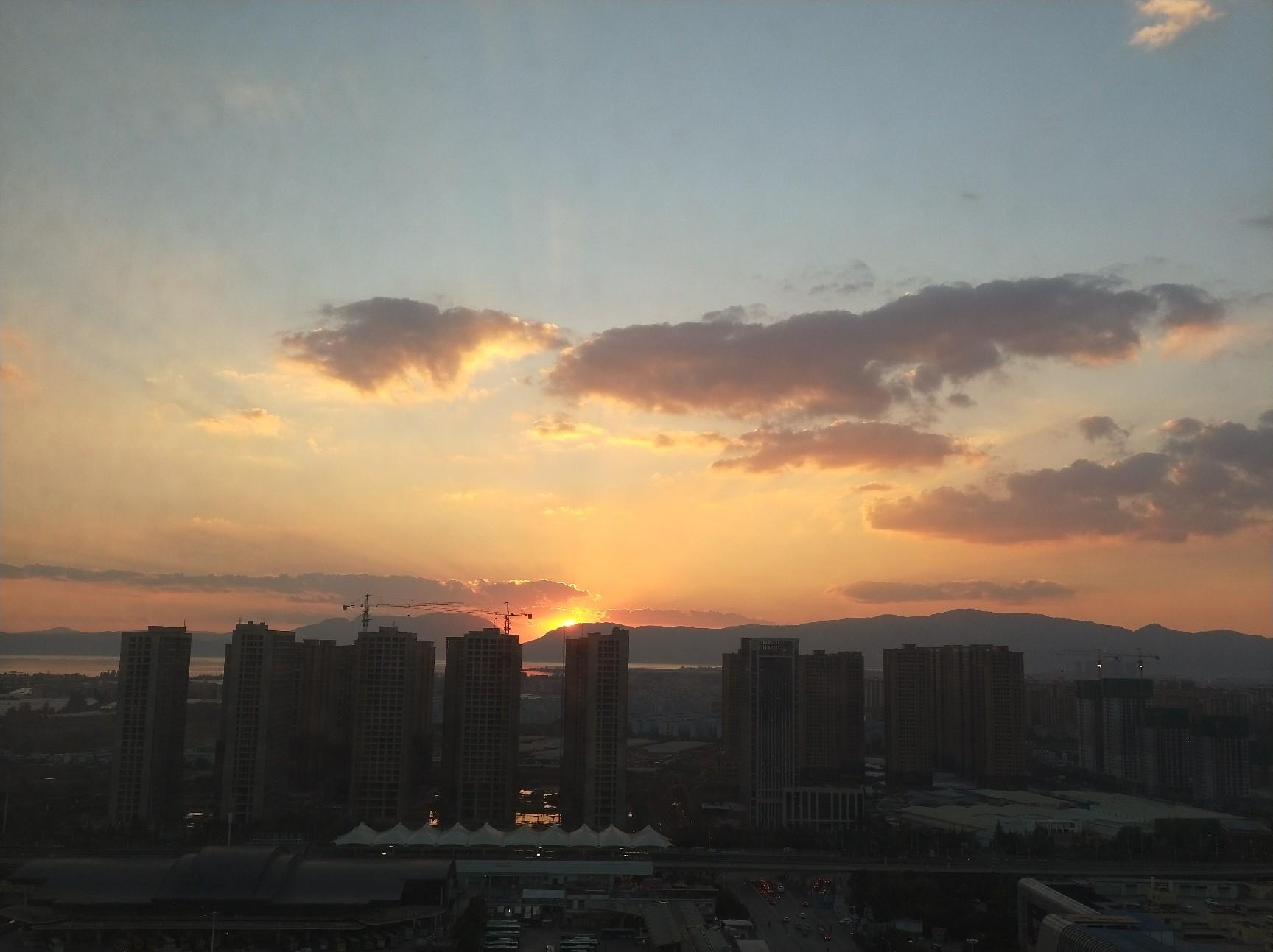背景 壁纸 风景 天空 桌面 1728_1293